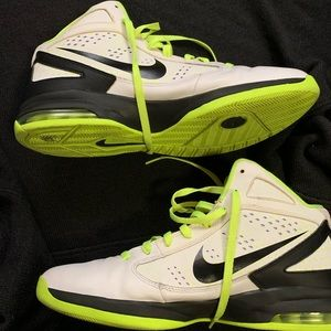 Nike Basketball shoes Neon white and black